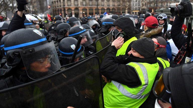 De nouveaux affrontements à Paris pour l'acte 11 des gilets jaunes