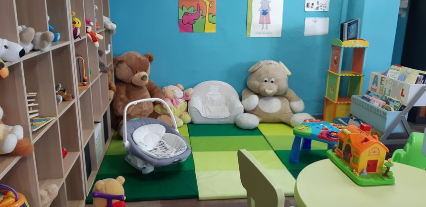 Le petit espace où les enfants peuvent patienter.