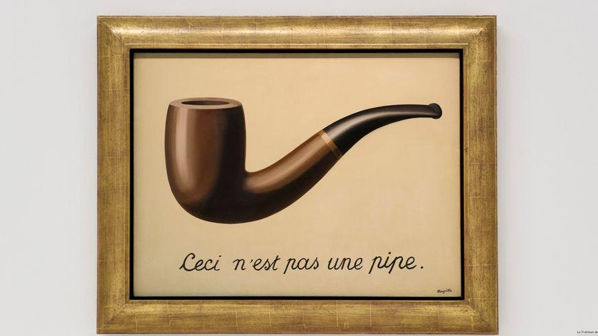 Tableau de René Magritte présenté lors d'une exposition à Paris.