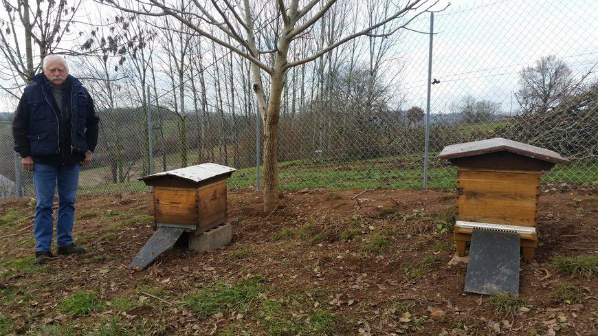 Daniel, un apiculteur amateur corrézien, s'est fait voler deux ruches entre Noël et le 1er janvier