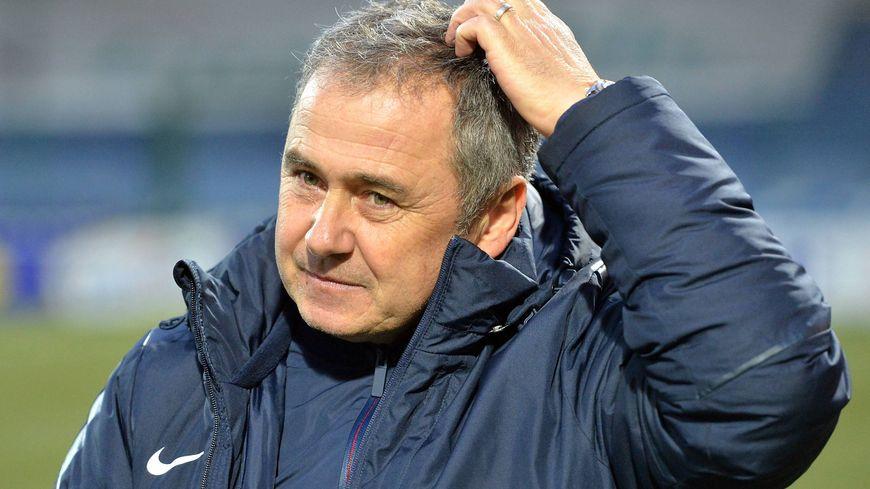 Le nouvel entraîneur de Tours Michel Estevan