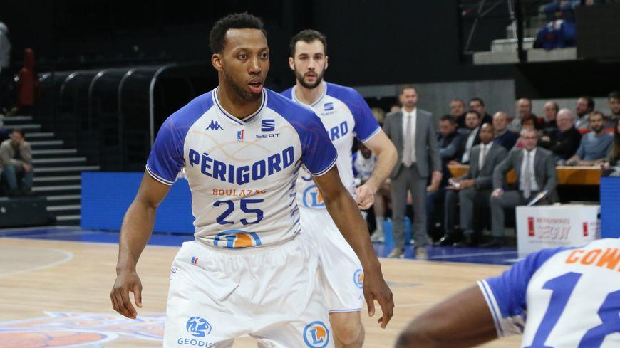 Akil Mitchell joueur du Boulazac Basket Dordogne.