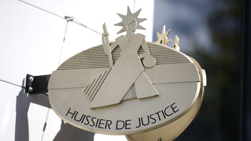 caducée huissier de justice