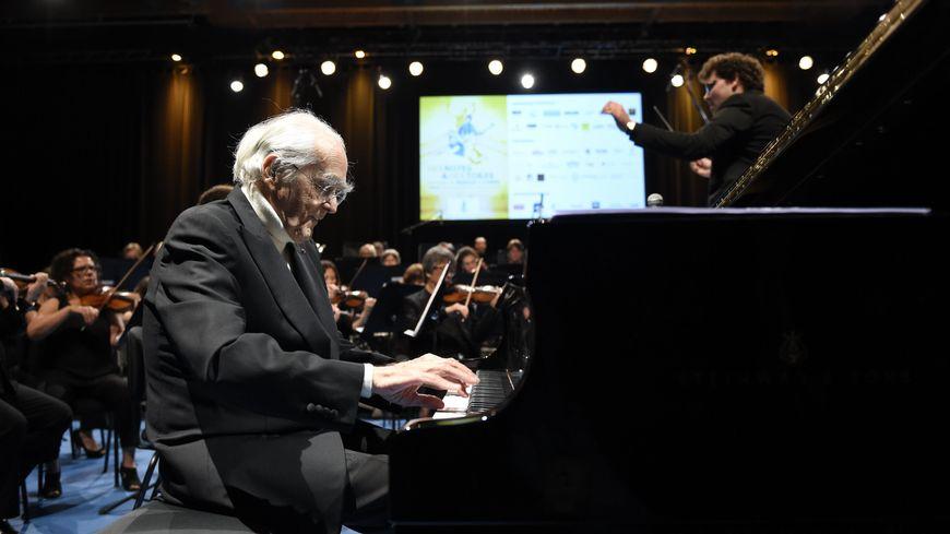 ARCHIVES. Michel Legrand lors d'un concert dans l'Est de la France en 2016.