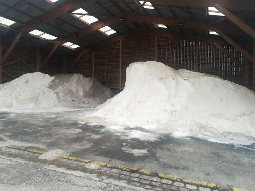 Le sel pour déneiger les routes est stocké dans l'un des centres municipaux d'Amiens métropole , rue Titien