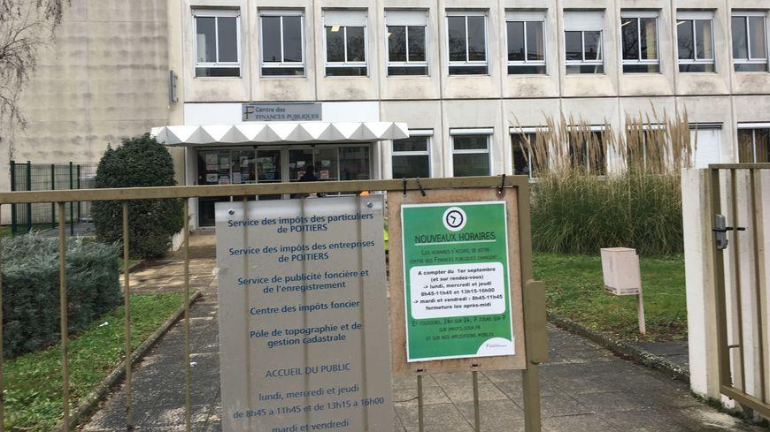Le Centre des impôts de Poitiers