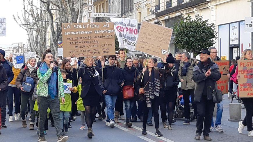 Plus de 2000 personnes pour la 3e marche pour le climat à Avignon.