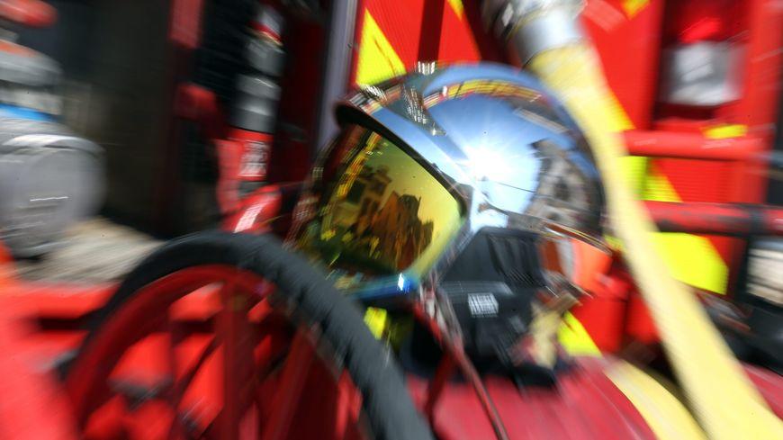 Prés d'une vingtaine de pompiers mobilisés à Saint-Yrieix-la-Perche pour venir à bout des flammes dans un logement