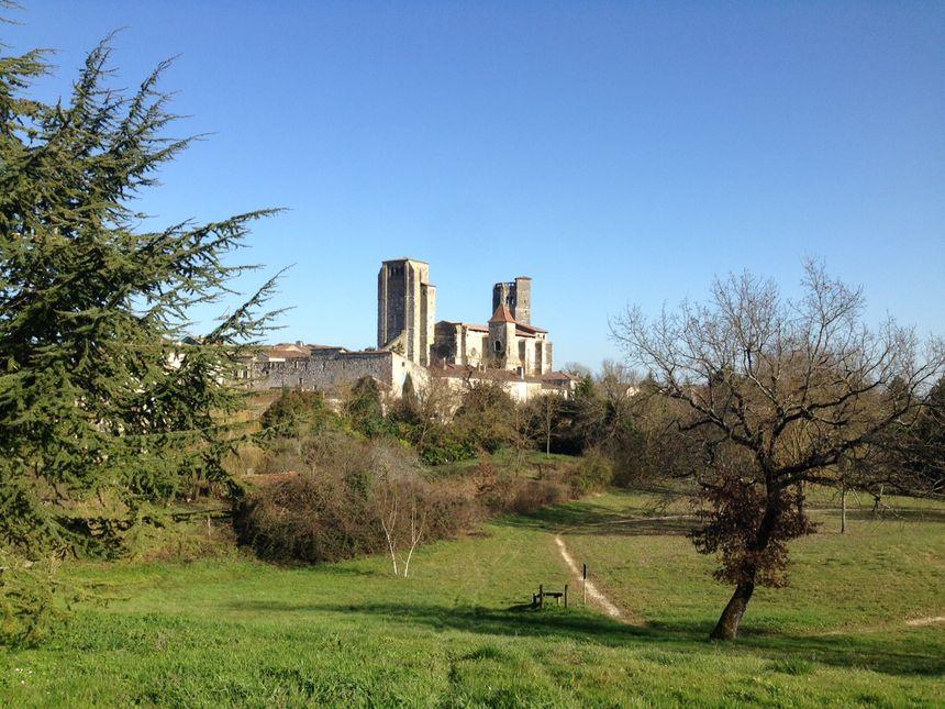 La Romieu fait partie des six communes du Gers classées parmi les 158 plus beaux villages de France