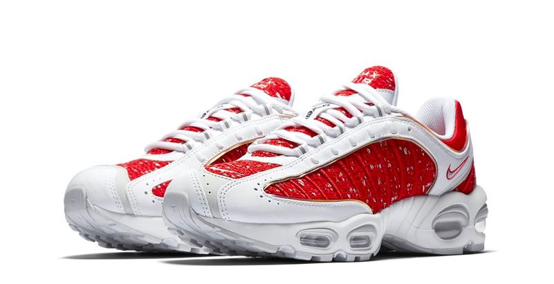 buy popular 896e0 e9076 Supreme x Nike Air Max Tailwind IV (© HypeBeast)
