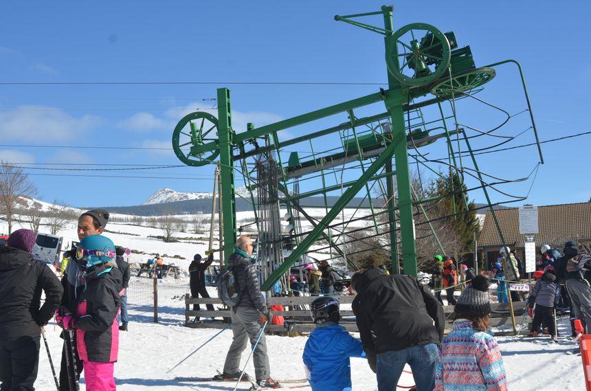 Au pied du Mont Mézenc , les skieurs ont bien là