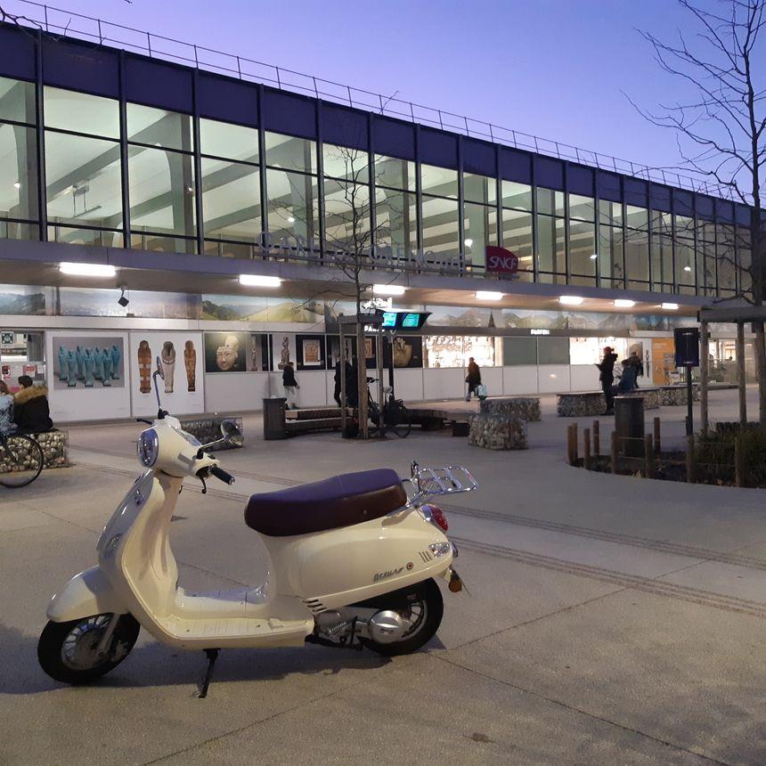 La gare de Grenoble by night