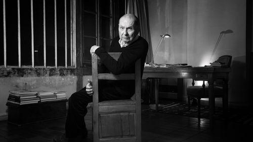 """Claude Régy, portrait d'un maître qui ne veut pas l'être (1/5) : """"Si on veut que le texte soit premier, il faut qu'il soit supporté par des géants"""""""