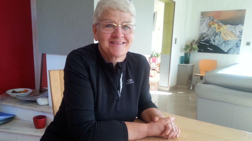 """Marie-Christine Viaud veut réduire son usage de la voiture, elle se dit dans une démarche """"gentiment décroissance"""""""
