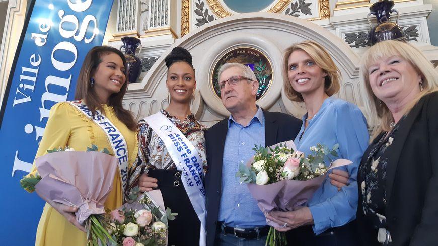 Le maire de Limoges en compagnie de Sylvie Tellier, Nadine Preece, Miss France et Miss Limousin