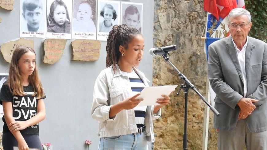 Commémoration organisée par le MRAP le 12 septembre 2018 devant la stèle des enfants juifs déportés, au parc Jean Rameau, à Mont-de-Marsan.