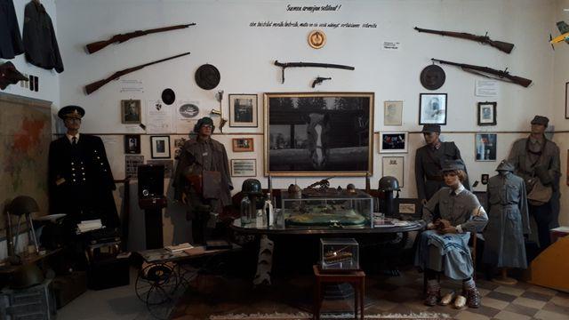 Le musée privé de la guerre accueille aussi bien des touristes finlandais que russes