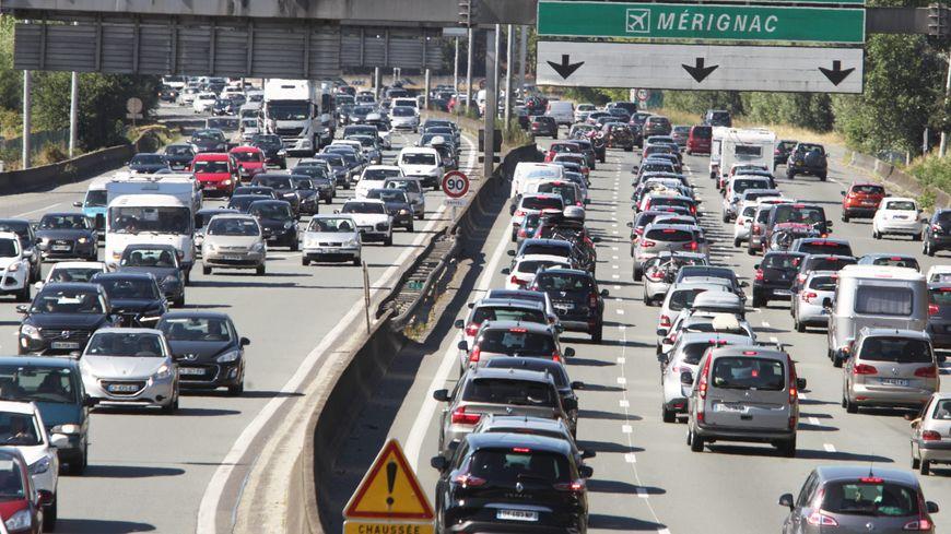 Le trafic est régulièrement saturé sur la rocade de Bordeaux