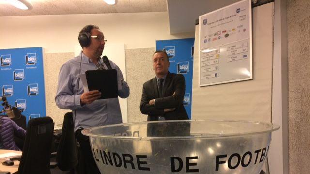 Sylvain Rogie et Marc Touchet, président du district de football de l'Indre
