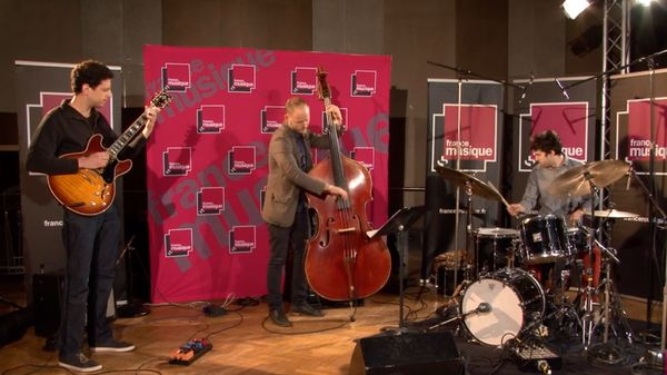 "Le Trio Yuval Amihai interprète ""Skylark"""