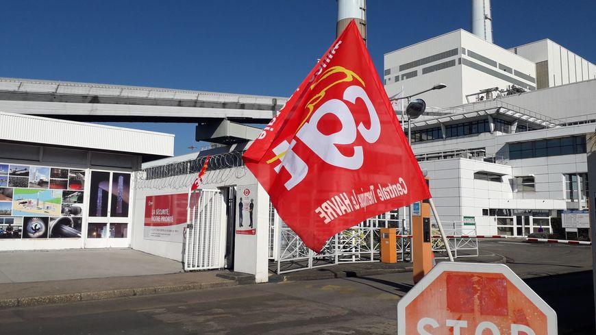 Les salariés ont manifesté à l'appel de la CGT devant la centrale thermique du Havre