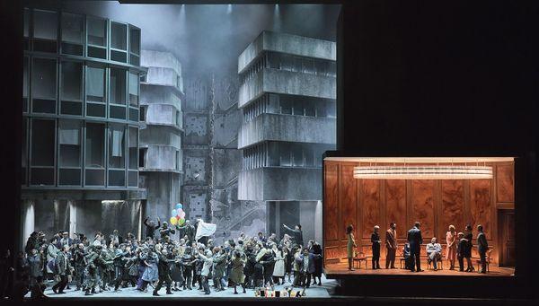 Le peuple se réjouit car la guerre est finie (Les Troyens - Opéra Bastille/ 2019)