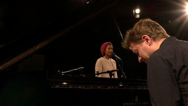 """Charlotte Wassy et Julien Lallier interprètent """"Balkidoo's song"""""""