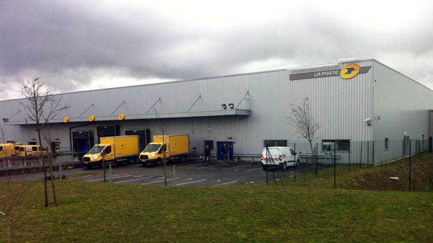 Le centre de Déols est une plateforme de préparation et de distribution de courrier.