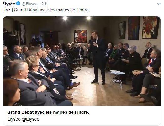 Emmanuel Macron avec les maires ruraux de l'Indre