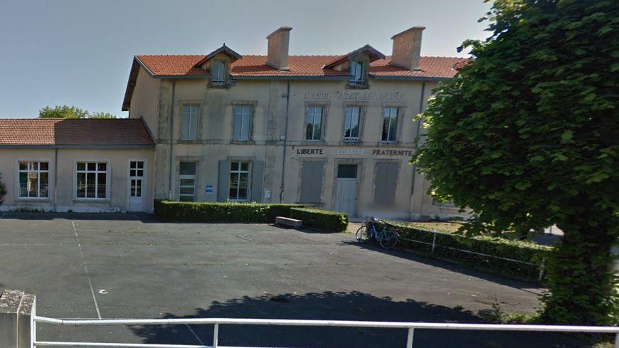 Mairie d'Azay-le-Brûlé