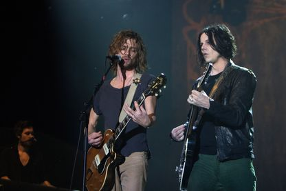 The Raconteurs, Brendan Benson et Jack White,  en concert, le 12 novembre 2011 à Orlando, en Floride.