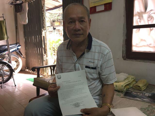 Pham Ngoc Canh a 70 ans. il a attendu 35 ans pour faire venir l'amour de sa vie à Hanoi.