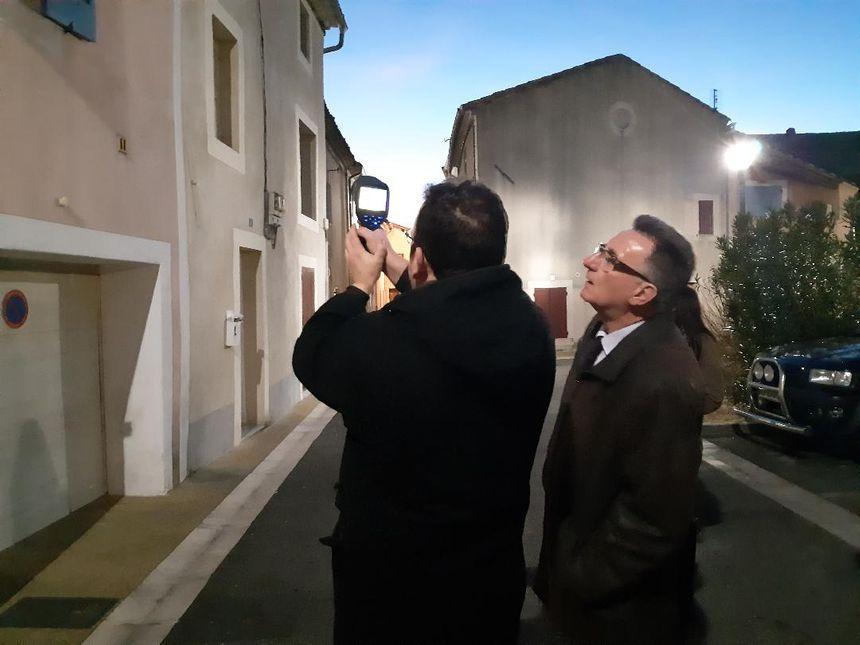Le maire de Jonquières, Louis Biscarrat, avec le conseiller du Ceder Provence, François Girard