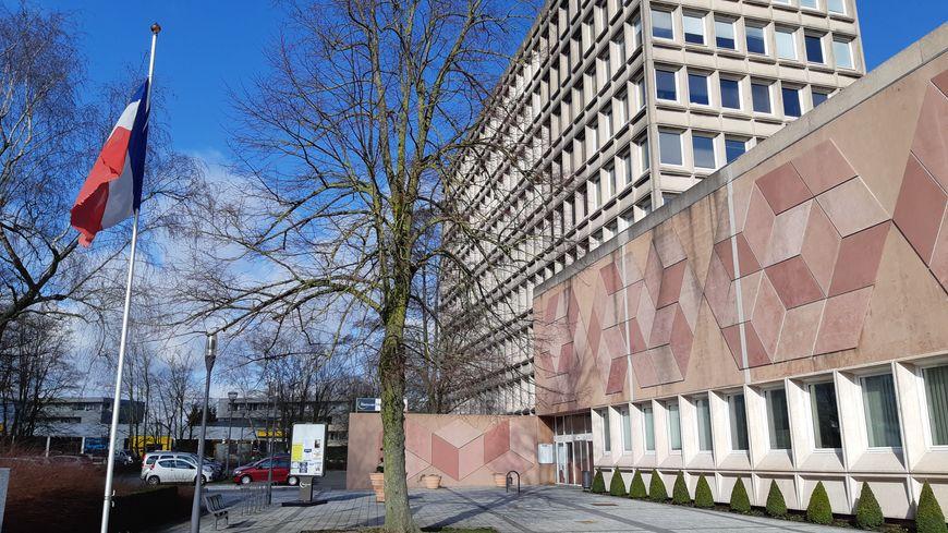 Maubeuge (ici la mairie) devient Quartier de Reconquête Républicaine comme Lille-Fives ou Lille-Moulins