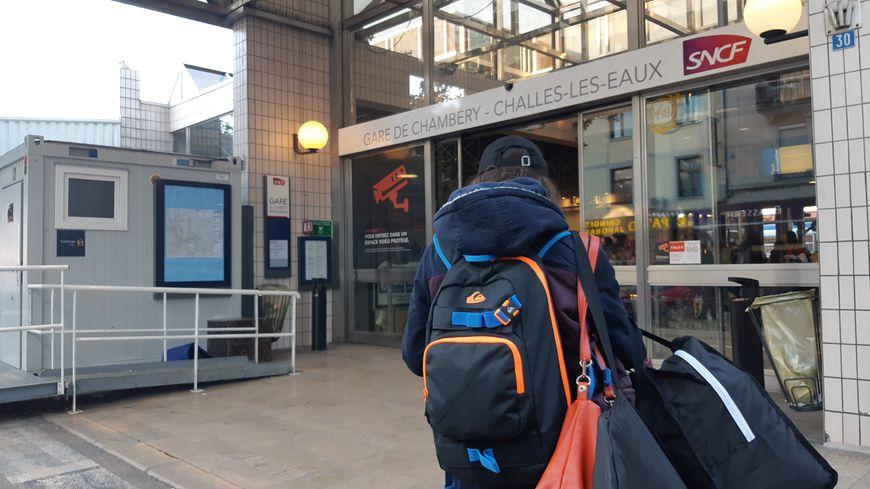Entrée en gare de Chambéry