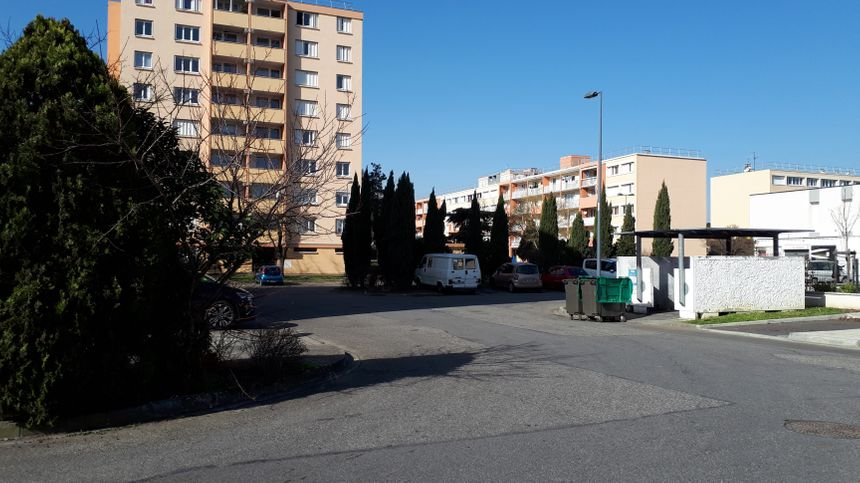 La plupart des habitants parlent d'un quartier calme, mais certains trouvent que l'ambiance s'est dégradée depuis quelques années.