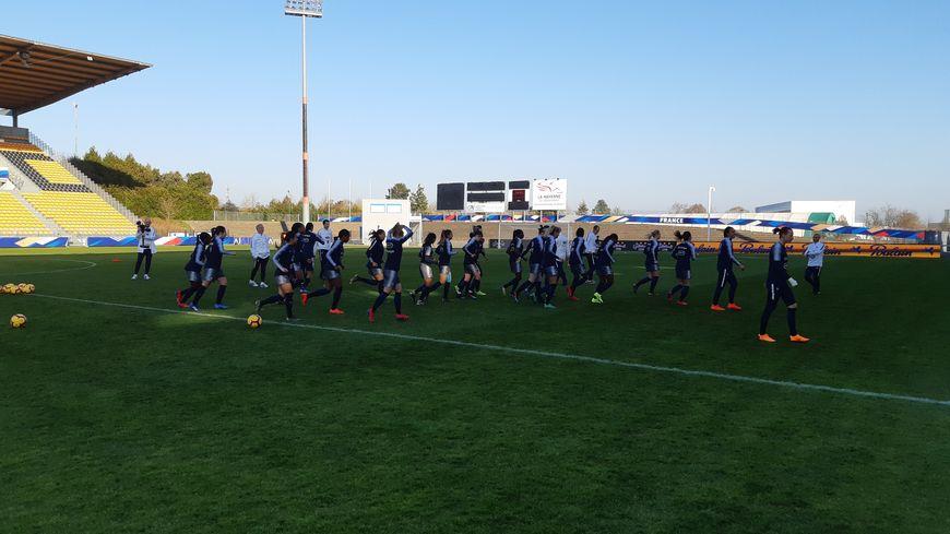 Les Bleues à l'entraînement au stade Francis Le Basser ce mercredi après-midi.