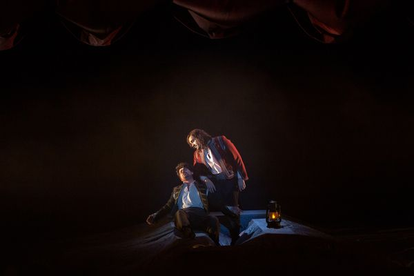 Acte 1, scène 1 : Carlo Vistoli (Ulysse) et Valerio Contaldo (Diomède) , © Gilles Abegg / Opéra de Dijon