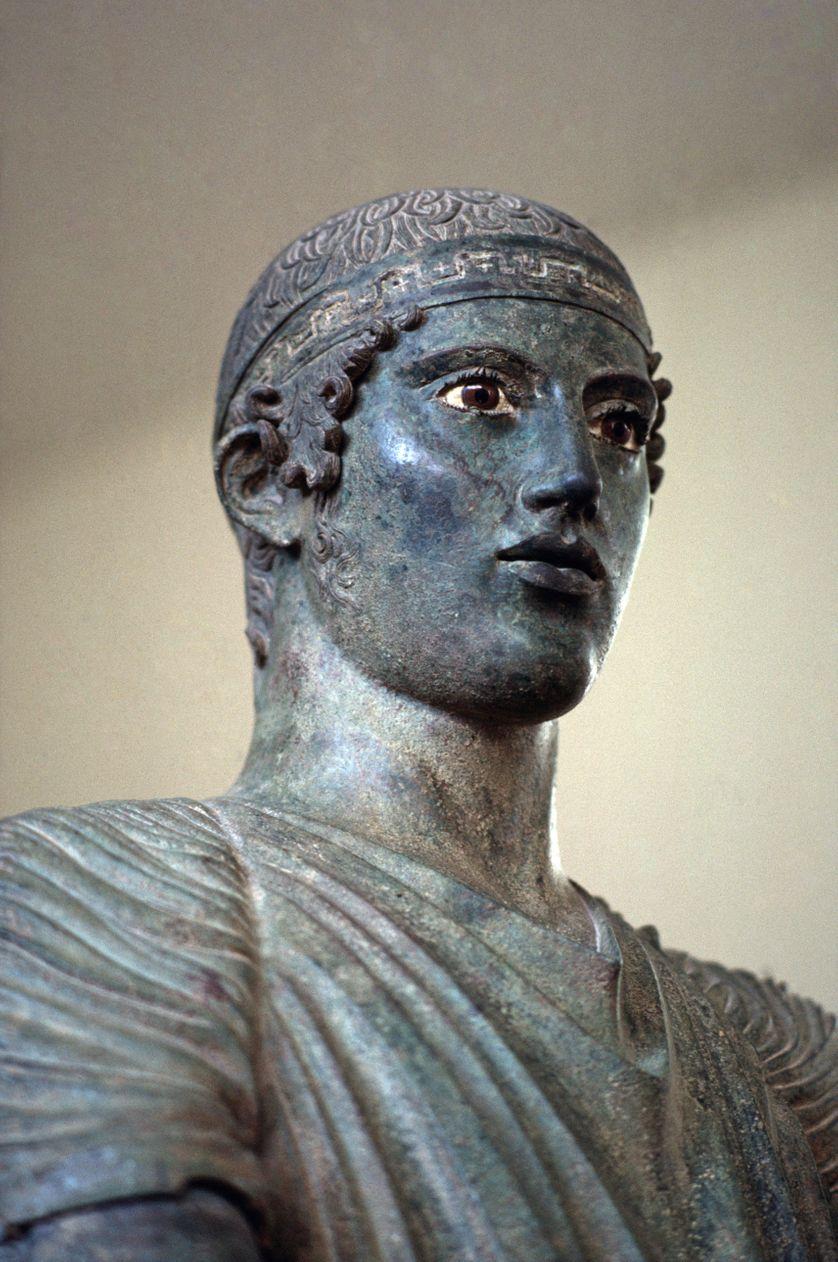 Détail de l'aurige de Delphes au Musée archéologique de Delphes (Grèce)