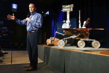 Conférence de presse annonçant la mort du robot Opportunity envoyé sur Mars en 2004