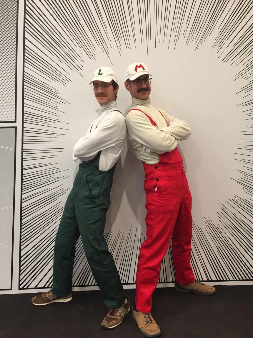Jean-Baptiste et Alexandre sont frères et se déguisent Mario et Luigi le temps d'un weekend. Un cosplay amateur assurent-ils.