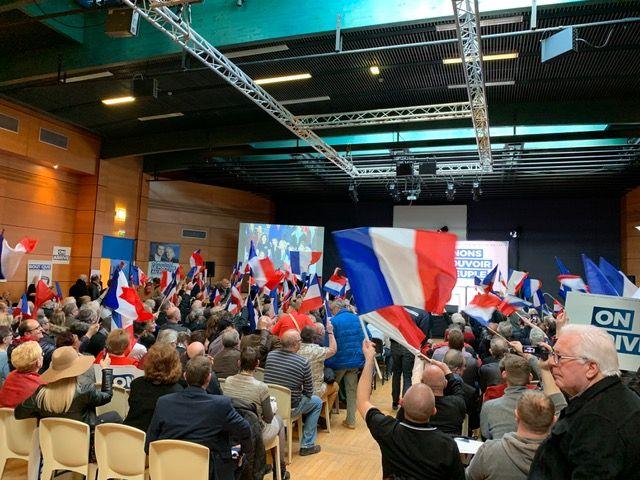 Près de 500 personnes étaient présentes dans salle municipale de Caudry, ce dimanche, pour le cinquième meeting de Marine Le Pen et de Jordan Bardella pour les européennes de mai prochain