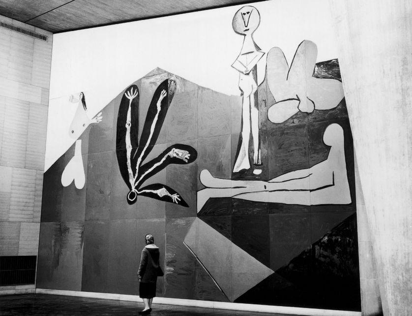 """Picasso : """"Cela a duré des mois et des mois, petit à petit le tableau a mangé tout l'atelier il ne restait que lui-même"""""""