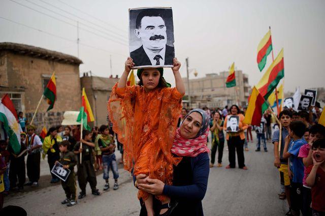 Manifestation de soutien à Abdullah Öcalan dans la ville de Derike en Syrie, le 29 août 2012