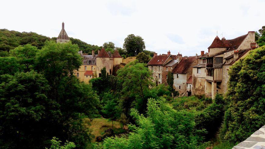 Le village de Gargilesse-Dampierre dans le sud de l'Indre est déjà bouclée ce mercredi soir