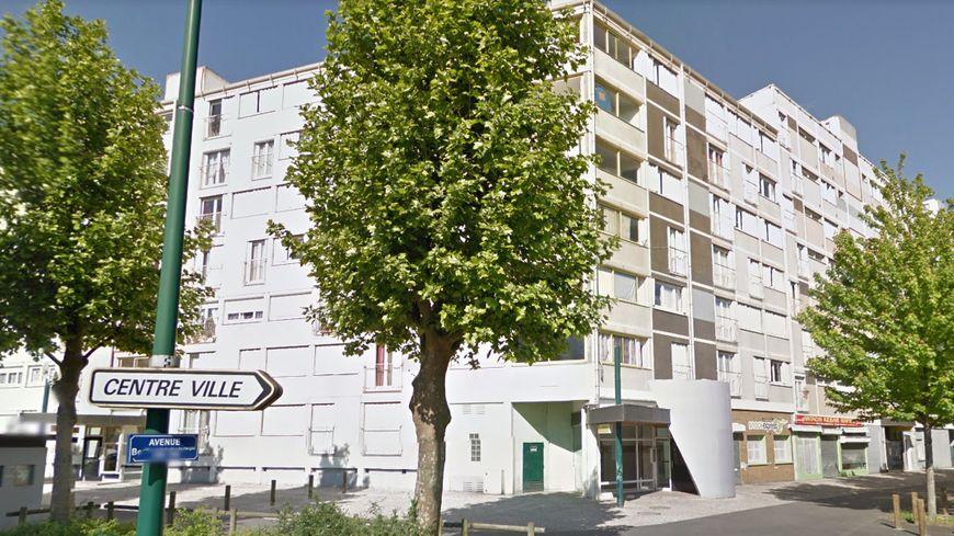 La résidence Westphalie se trouve avenue Bernard Louvet, à Châteauroux.