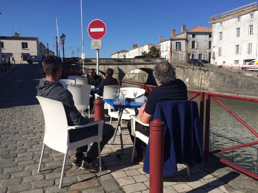 Les habitants aiment se retrouver le long du canal