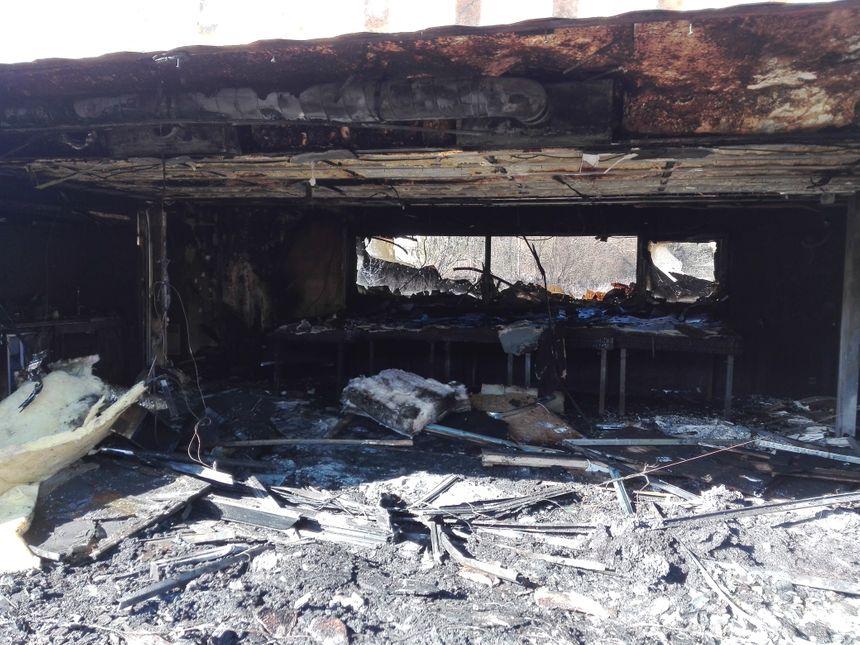 Tout a brûlé dans les 70 m2 de la maison du projet de l'éco-quartier des Vaîtes à Besançon