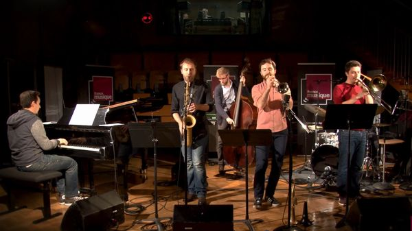 """Le Carnaval Jazz des Animaux"" (""Fossiles"") par The Amazing Keystone Big Band"