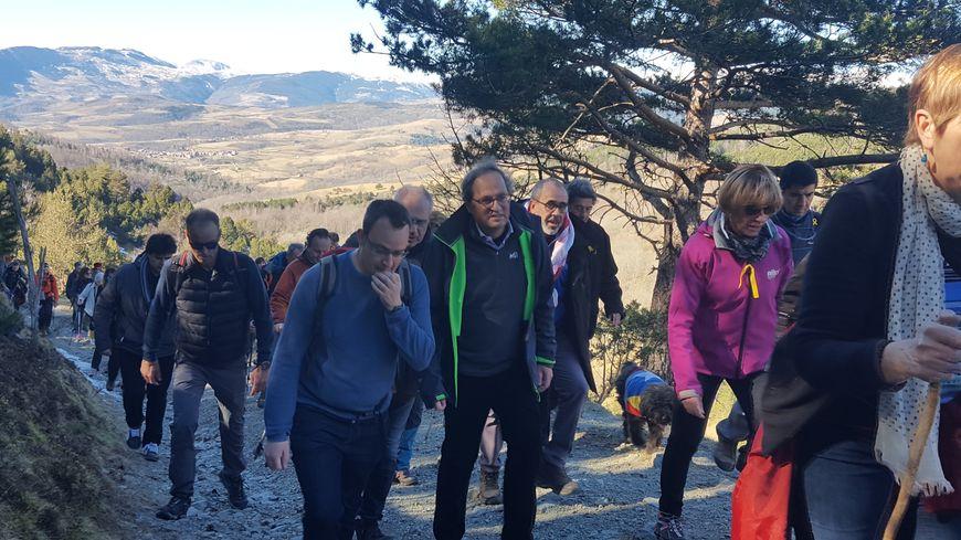 Quim Torra est monté jusqu'au col d'Ares avec à ses côtés, le maire de Mollo et le vice-président du conseil départemental des Pyrénées-Orientales Nicolas Garcia.